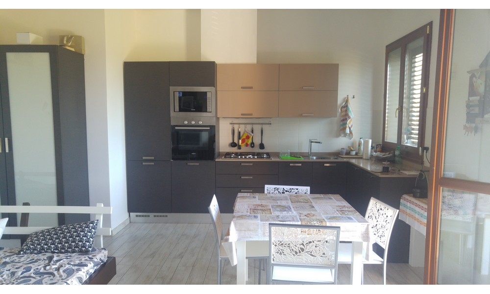 Edifica immobiliare compra e vendita immobili villa for Case in vendita con appartamento seminterrato