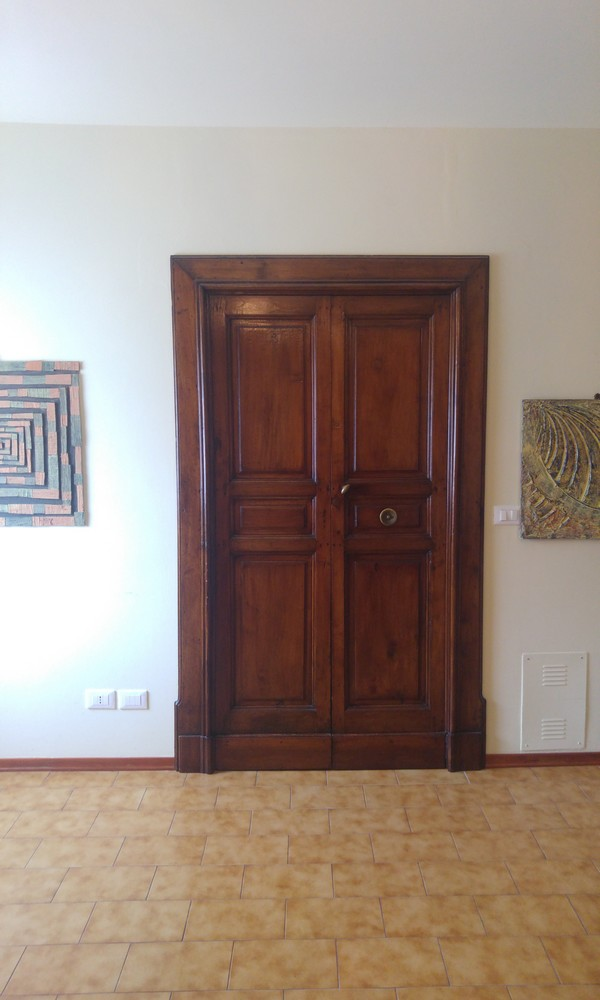 porta antica cucina appartamento vendita villa verucchio agenzia