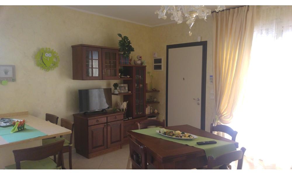 Edifica immobiliare compra e vendita immobili villa for Vendita mobili rimini
