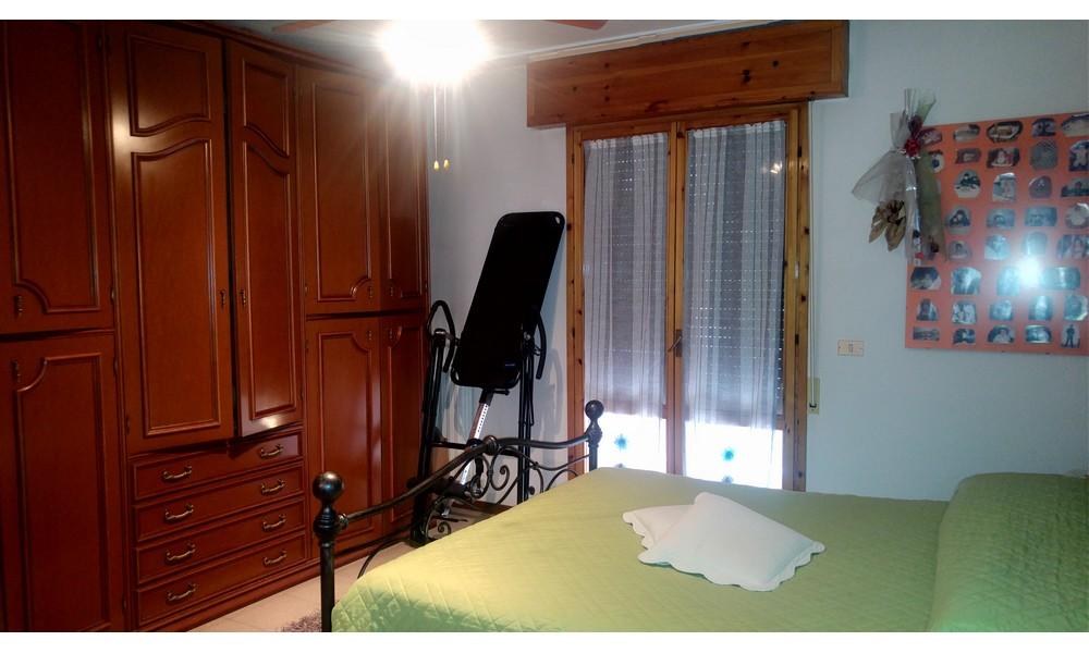 Edifica immobiliare compra e vendita immobili villa for Camere affitto