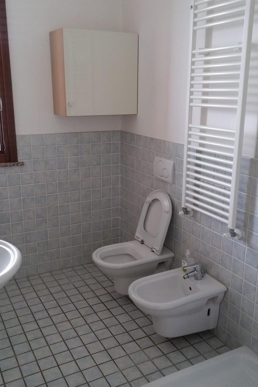 Edifica immobiliare compra e vendita immobili villa for Vendesi appartamento