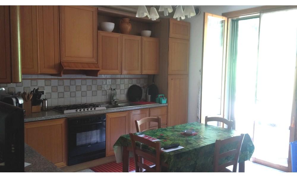 cucina-balcone-bagno-sala-ingresso-casa-schiera-appartamento-edifica-agenzia-vendita-verucchio