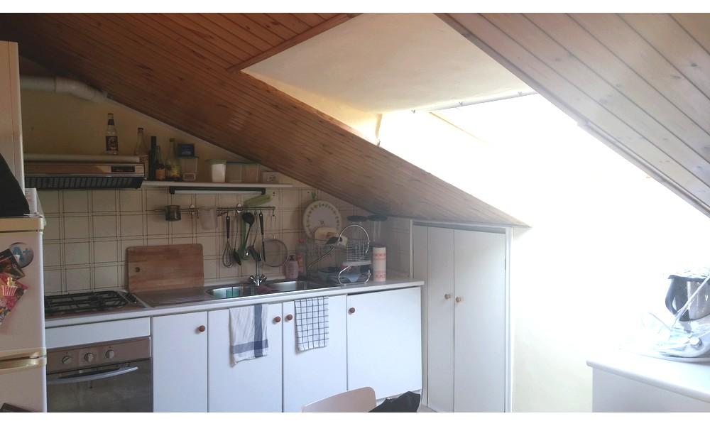 cucina-finestra-velux-appartamento-mansarda-edifica-agenzia-villa-verucchio-vendita
