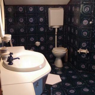 bagno-appartamento-piano-terzo-sottotetto-casa-indipendente-terrazzo-edifica-agenzia-vendita-villa-verucchio