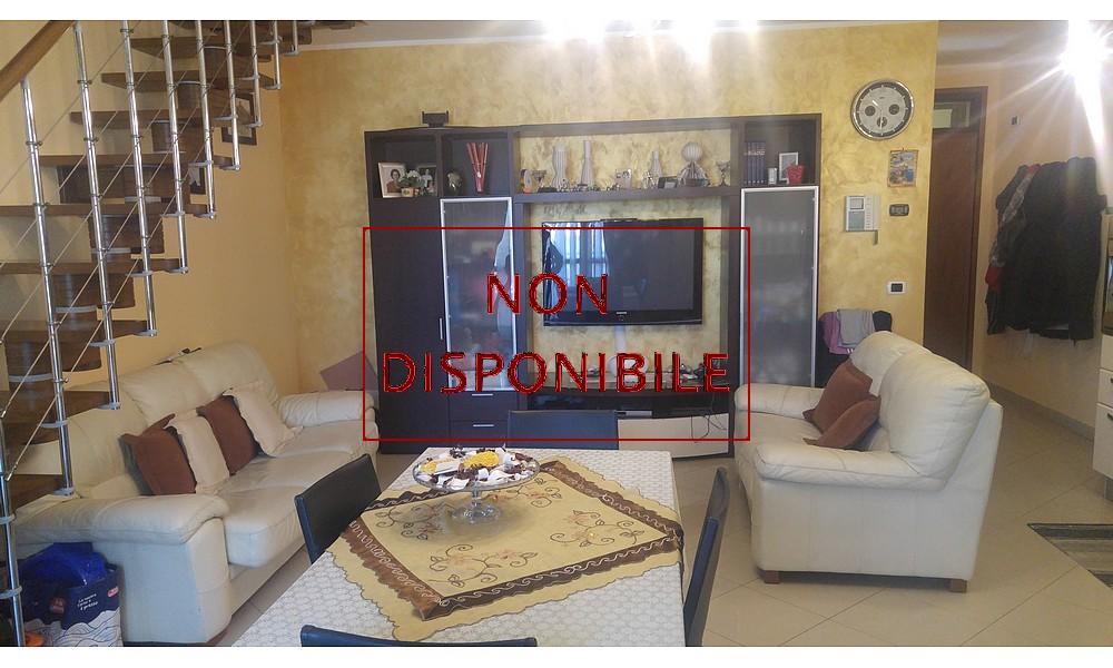 soggiorno-cucina-appartamento-stradone-borghi-santarcangelo-edifica-agenzia-vendita-villa-verucchio-mansarda-non-disponibile