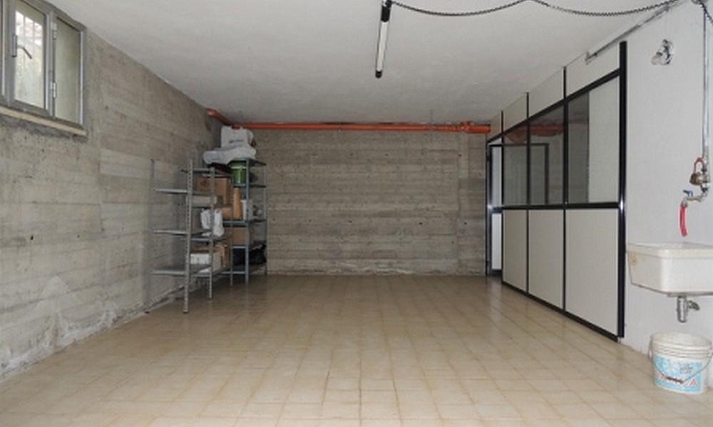 garage-deposito-villa-verucchio-edifica-agenzia-affitto-posti-auto-magazzino