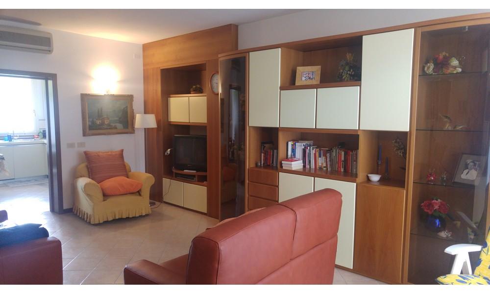 Edifica immobiliare compra e vendita immobili villa for Soggiorno arredato