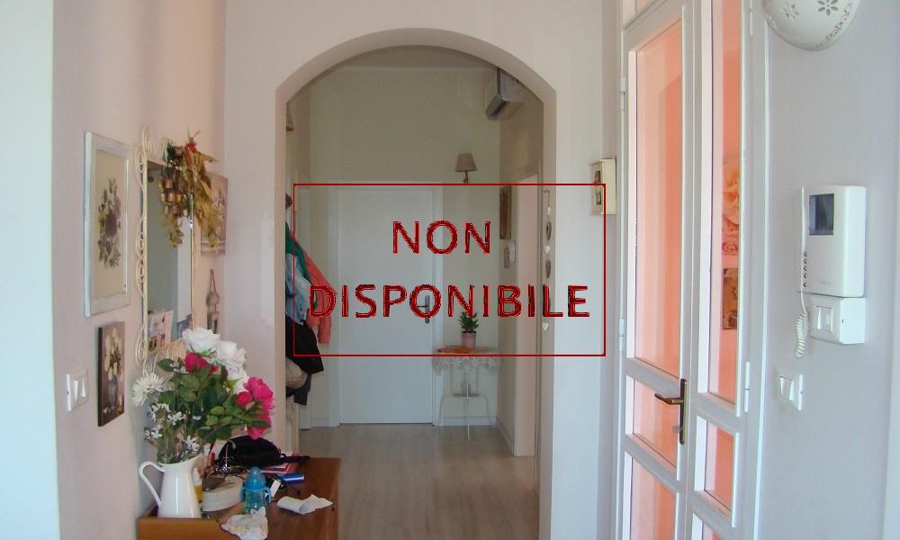 corridoio-disimpegno-appartamento-piano-primo-secondo-terzo-villa-verucchio-mansarda-vendita-agenzia-edifica-ampio-non-disponibile