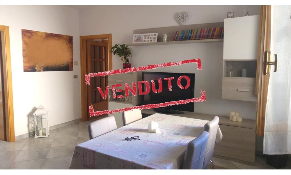 parete-tv-soggiorno-edifica-agenzia-vendita-santarcangelo-villa-verucchio-appartamento-ampio-tre-camere-venduto