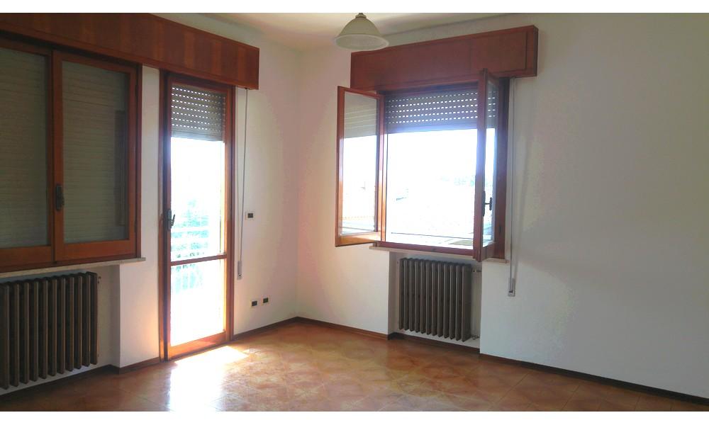 soggiorno-sala-villa-verucchio-appartamento-secondo-piano-edifica-agenzia-affitto-no-condominio