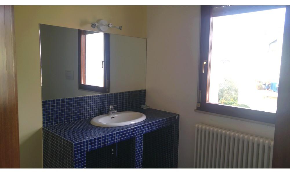 Bagno con finestra nella doccia bagno con doccia davanti finestra