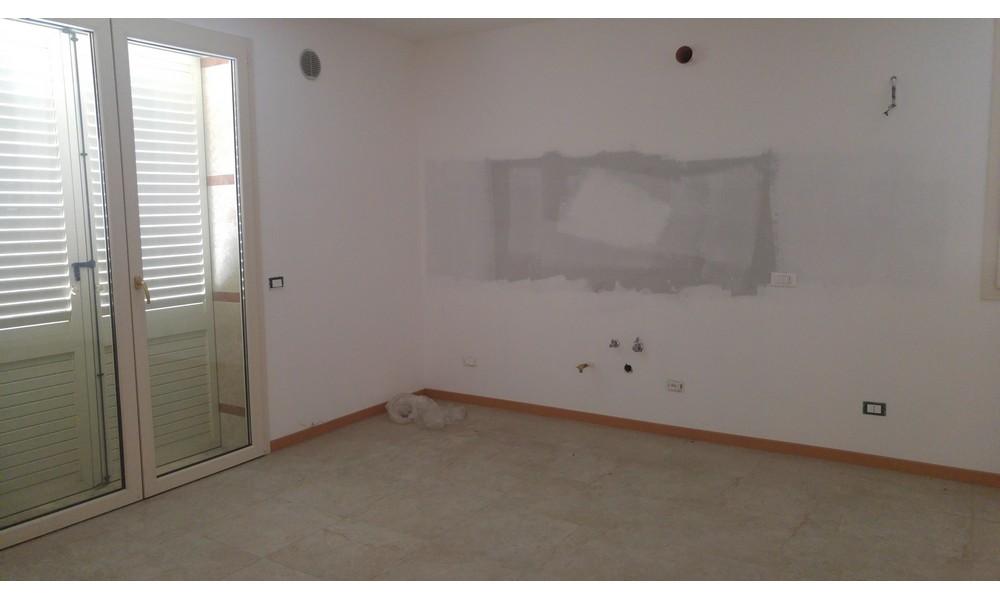 cucina-soggiorno-appartamento-trilocale-villa-verucchio-nuova-costruzione-agenzia-edifica-immobiliare-giardino-piano-terra-primo