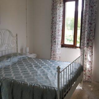 camera-matrimoniale-trilocale-b&b-pennabilli-turismo-estate-edifica-agenzia-vendita-immobiliare-licenza-attività-camere-affitto-appartamento