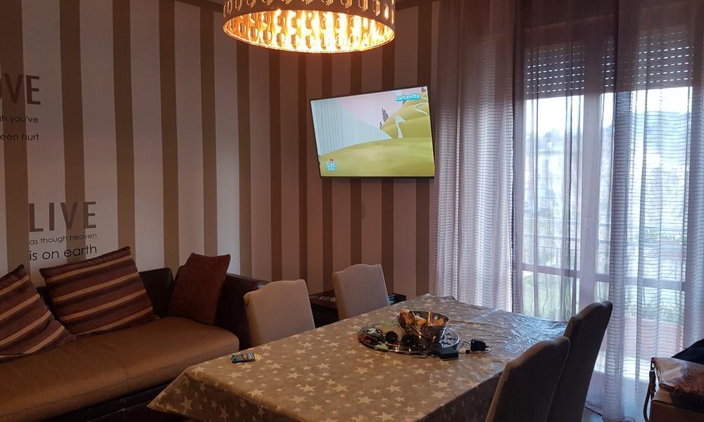 soggiorno-sala-pranzo-appartamento-secondo-piano-villa-verucchio-affitto-agenzia-immobiliare-edifica-tre-camere