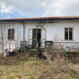 Casa Indipendente con dependance e ampio terreno a Perticara